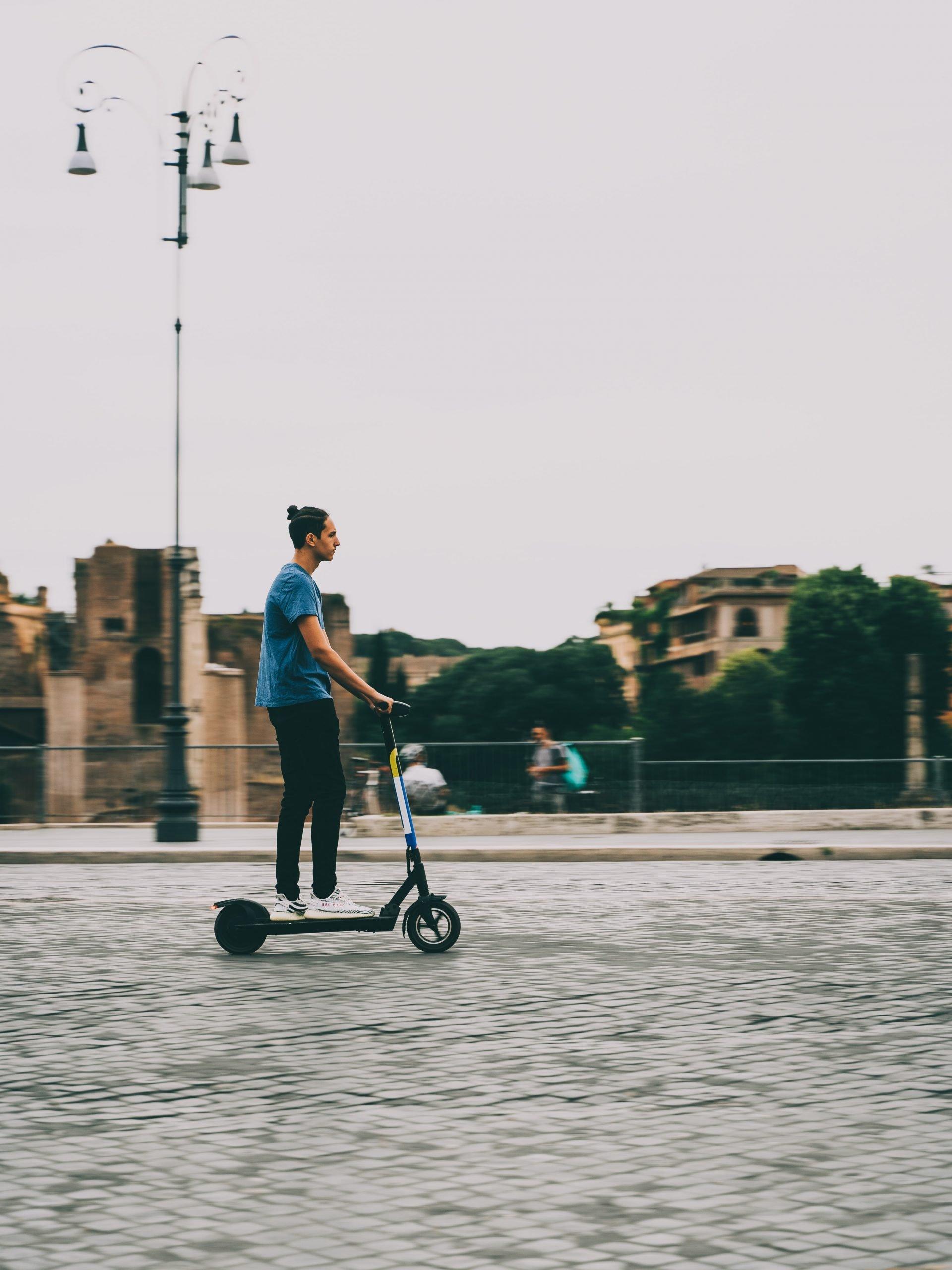 limite di velocità massimo monopattini elettrici in Italia 2021